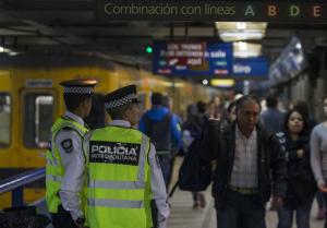 policia-metropolitana-subte
